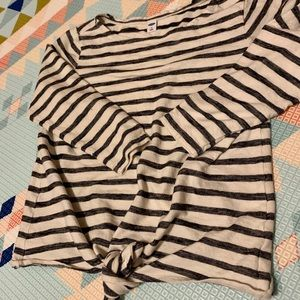 Three quarter sleeve tie front striped top